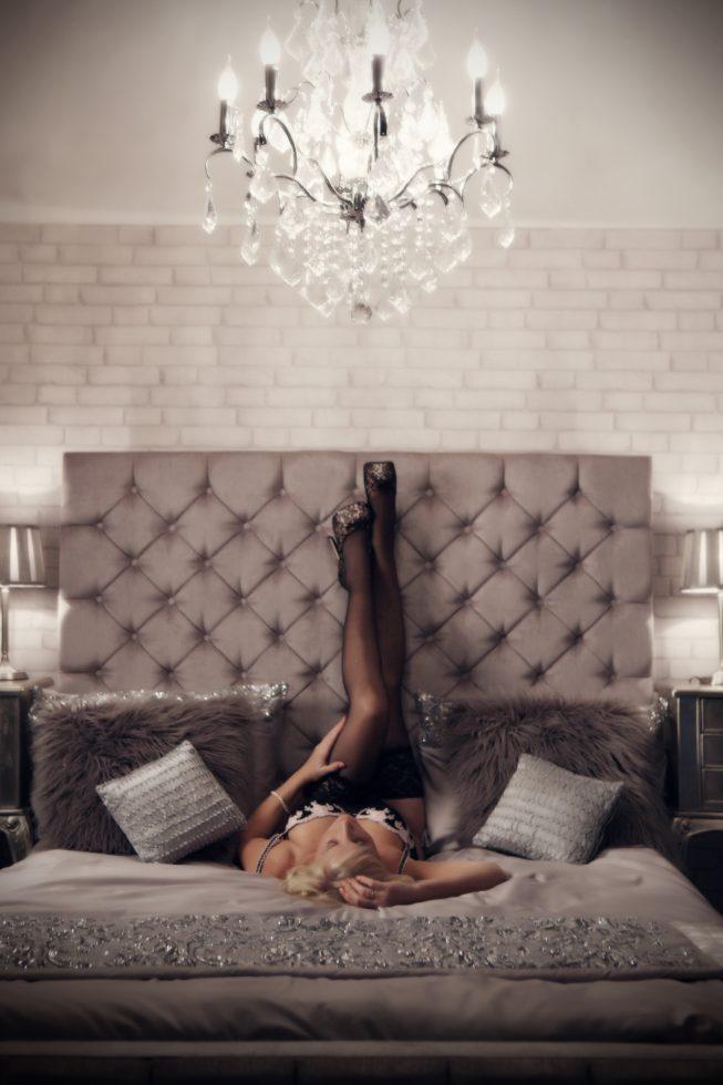 boudoir poses