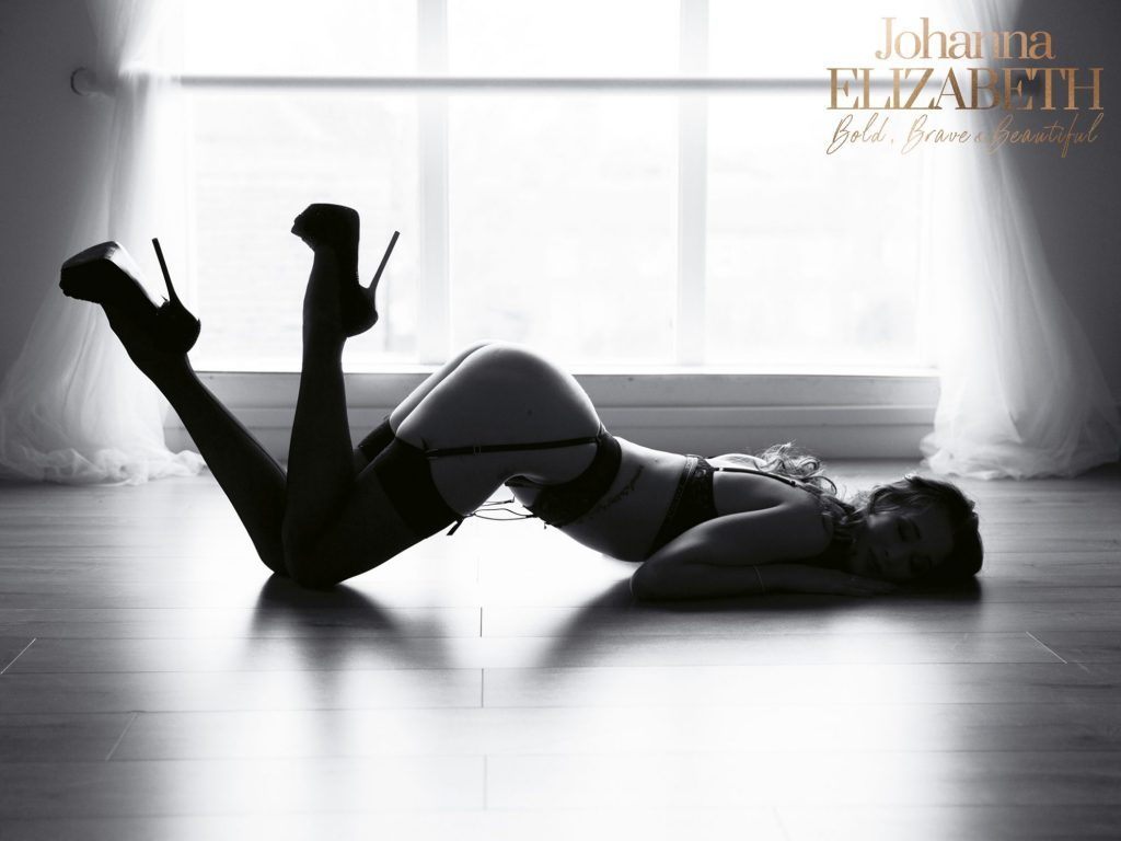 Boudoir photography by Johanna Elizabeth